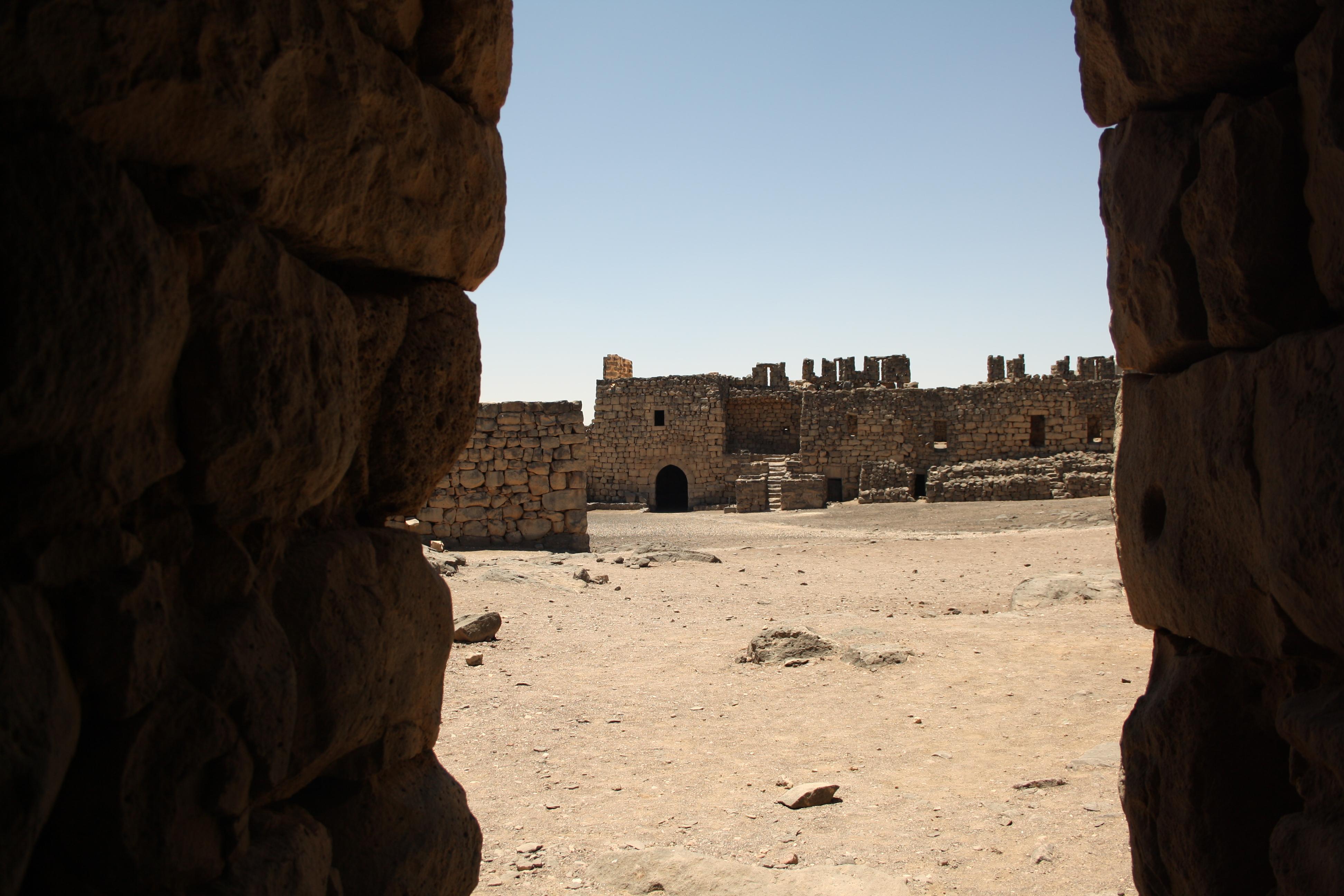 Qasr Azraq, I castelli del deserto orientale