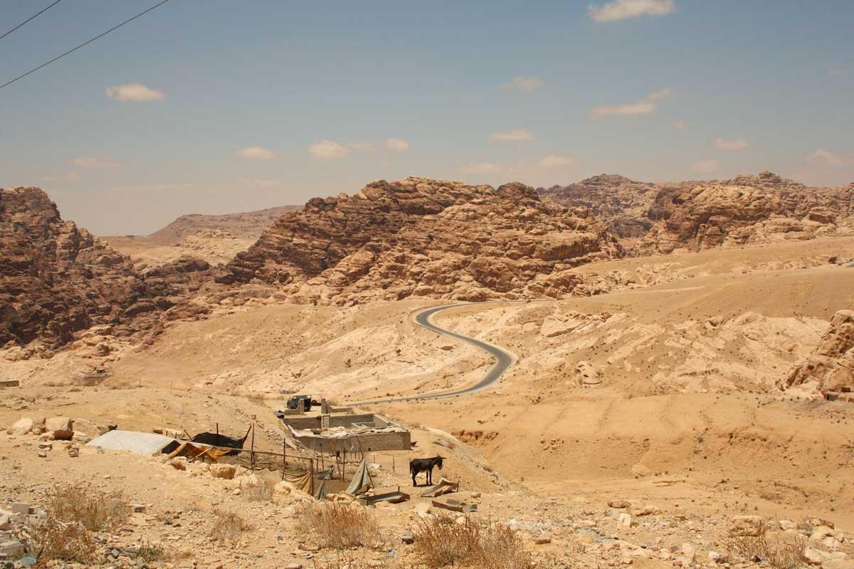 la strada per Piccola Petra