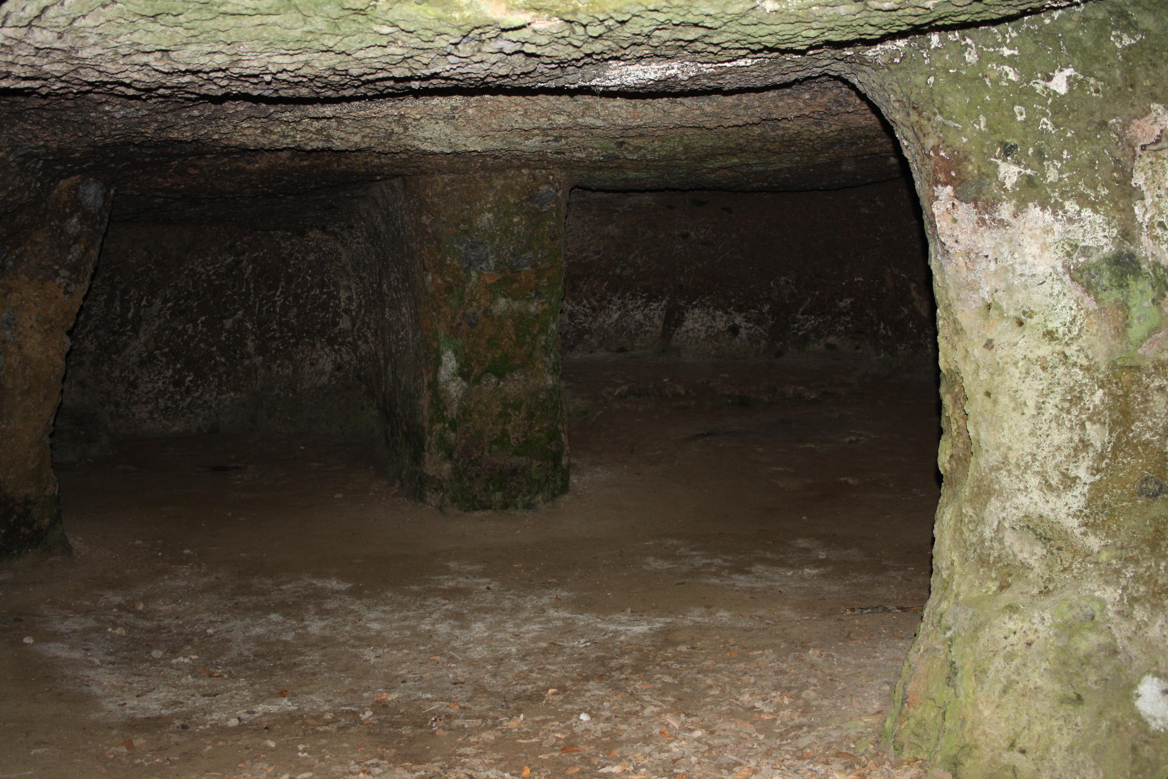 interno di un ambiente scavata nel tufo