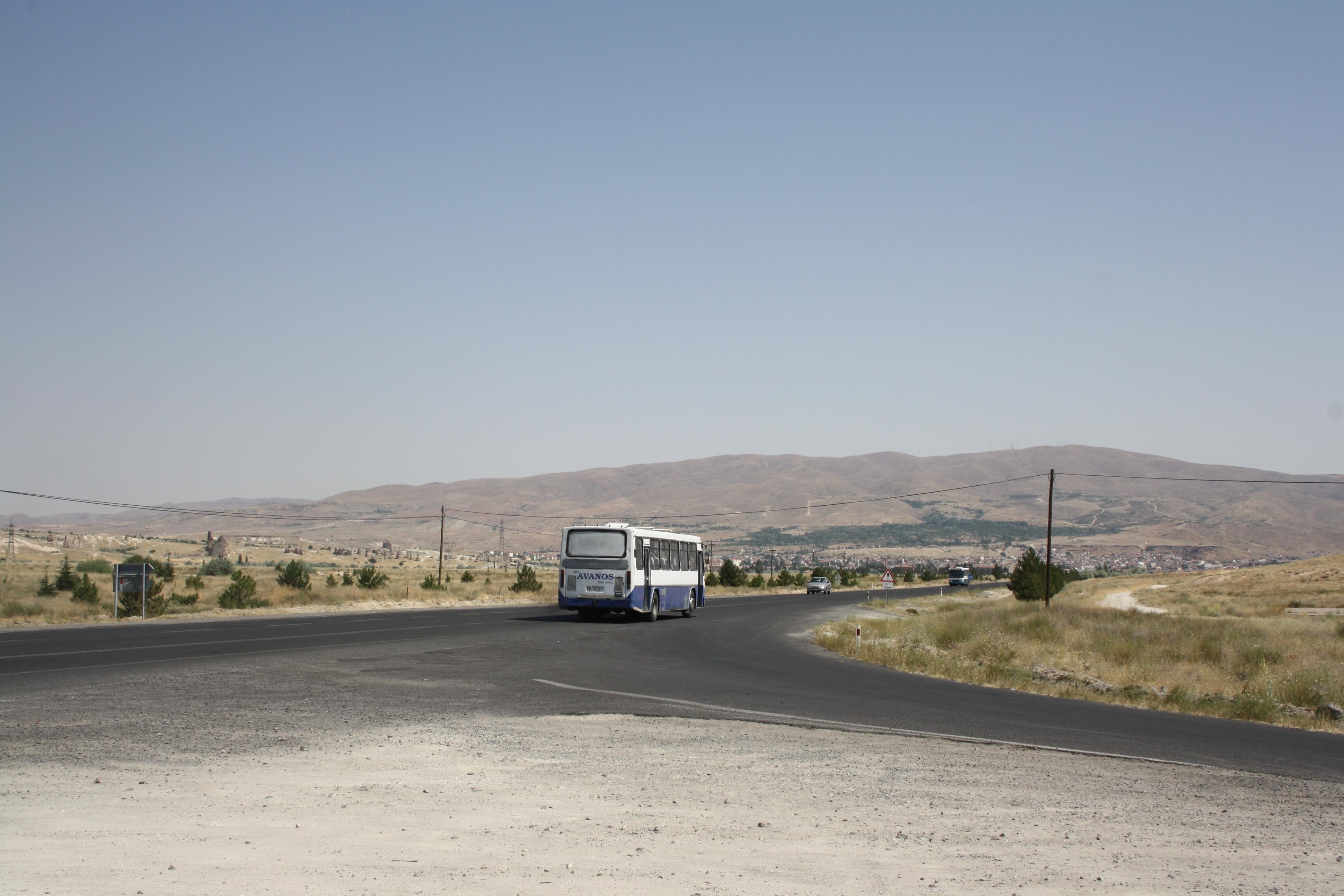 L'autobus che ci lascia a 3,5 km da Zelve