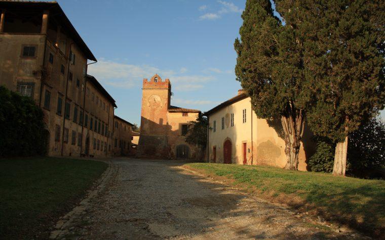 Il borgo fantasma di Villa Saletta