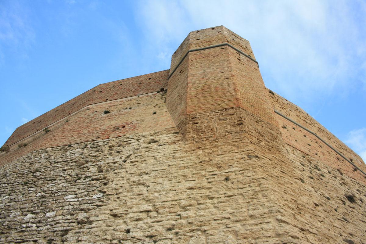 Le mura di Rocca Sillana