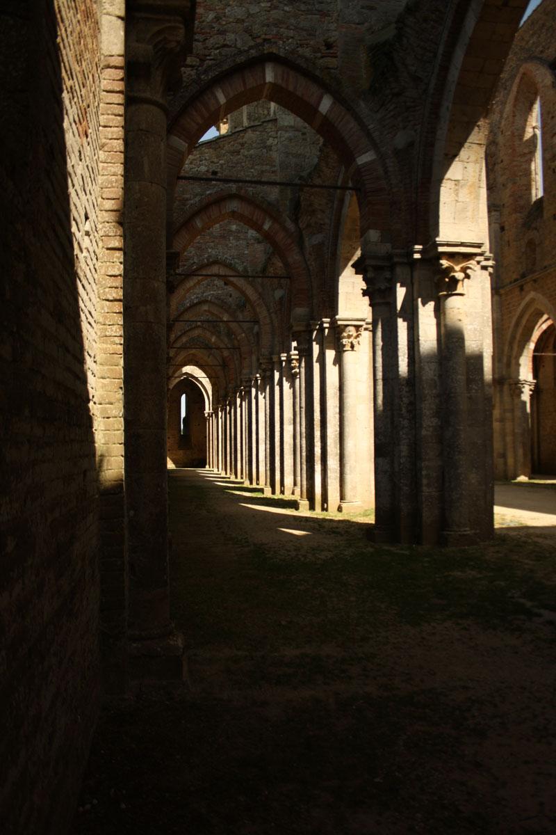 Interno dell'abbazia di san Galgano