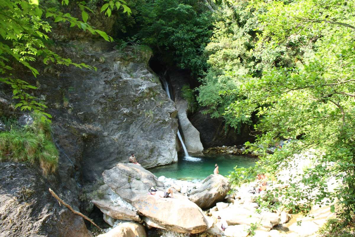 10 cose da fare in Toscana: la cascata di Malbacco