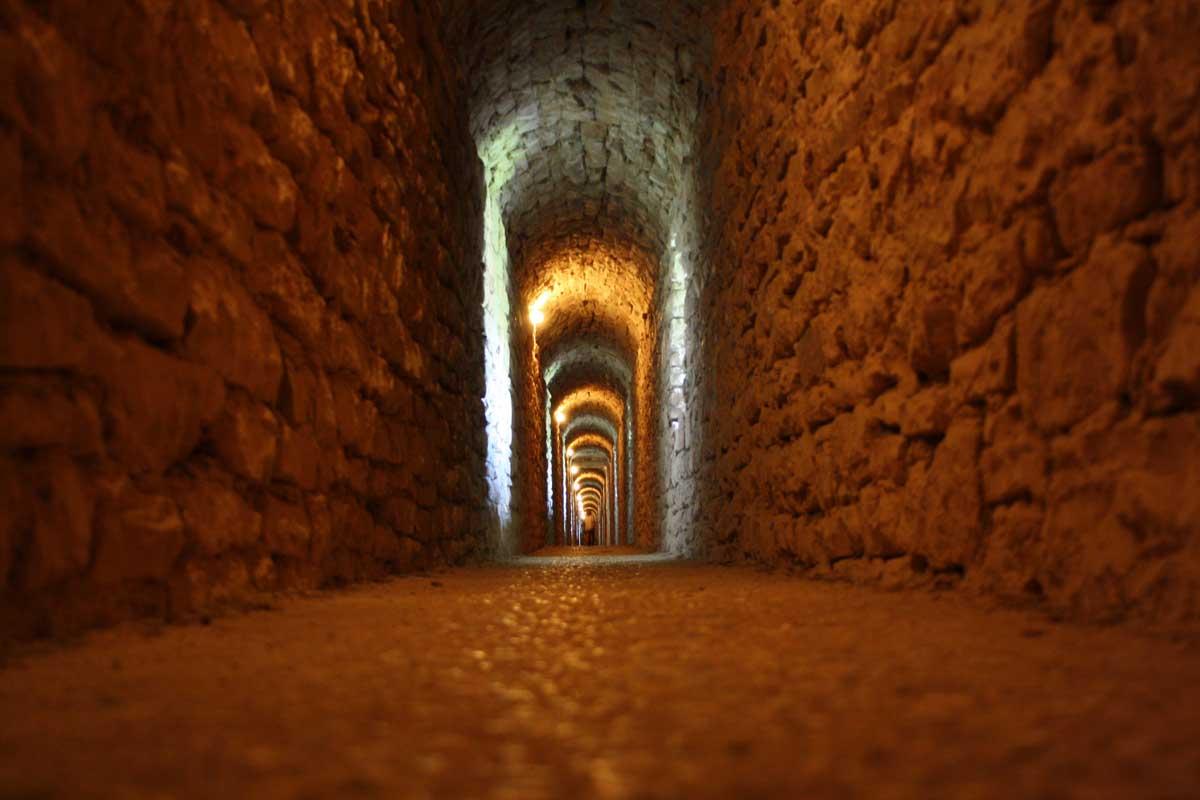 tunnel, la Rocca Maggiore, Assisi