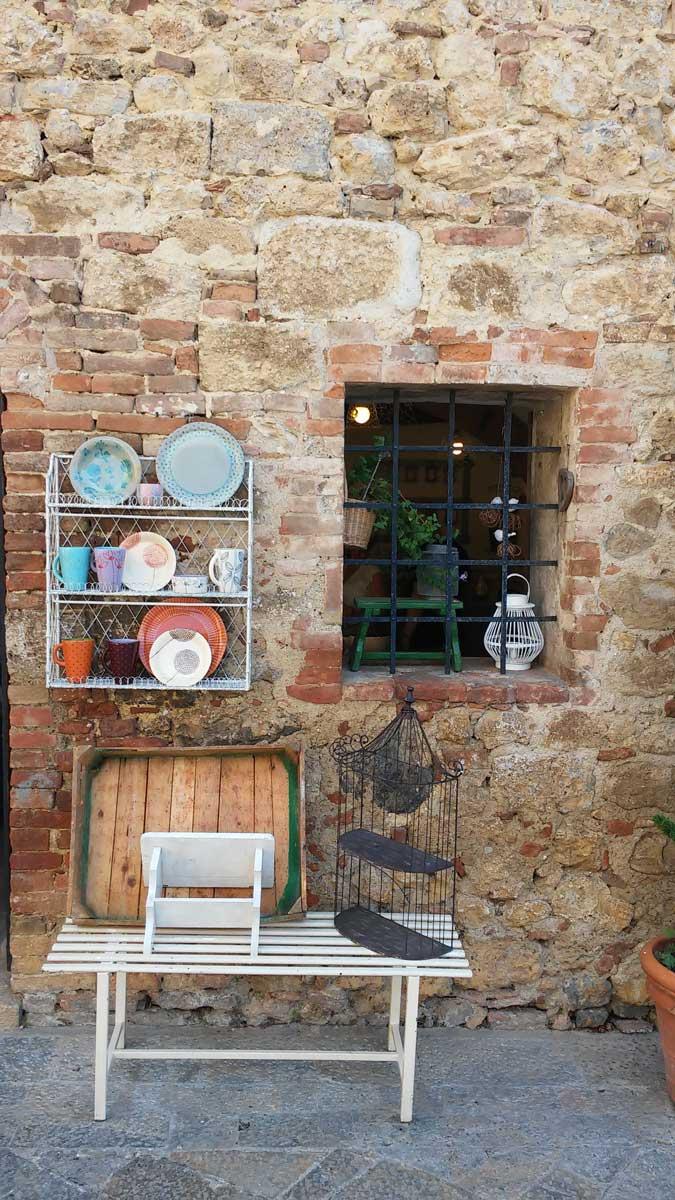 negozietto di artigianato, Monteriggioni