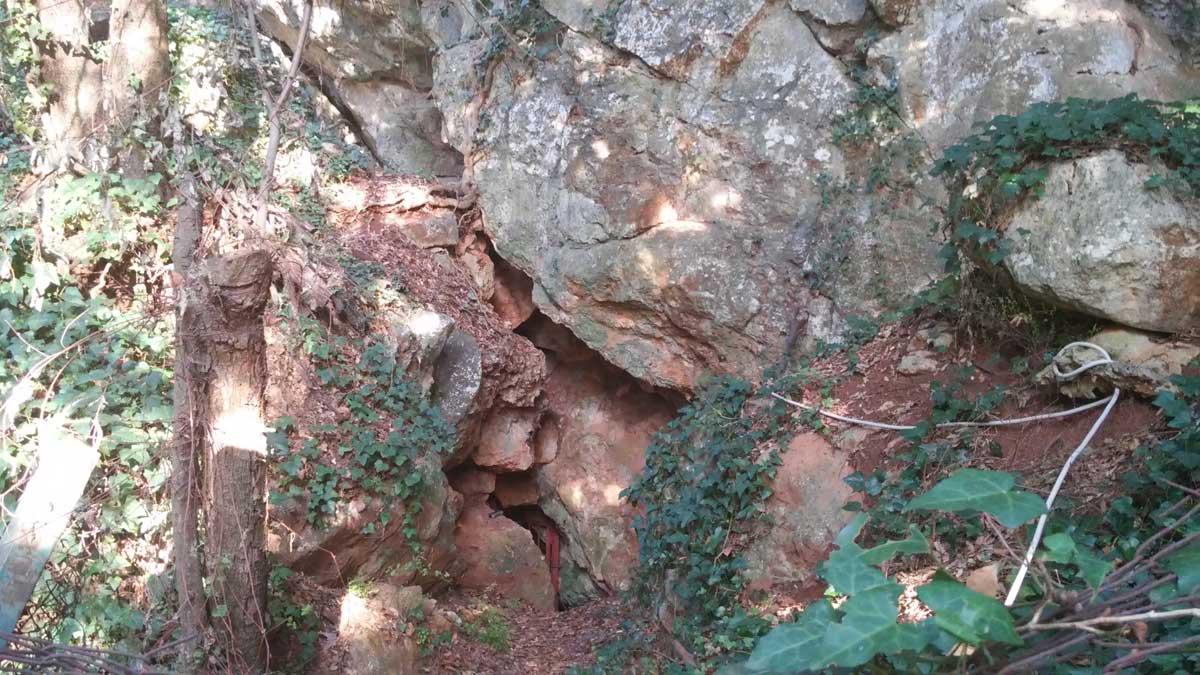 ingresso della Grotta del Leone