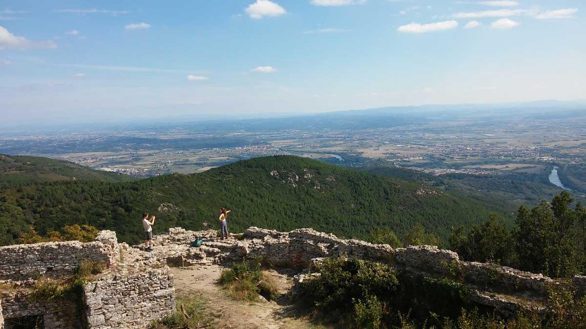 La Rocca della Verruca, trekking sui Monti Pisani