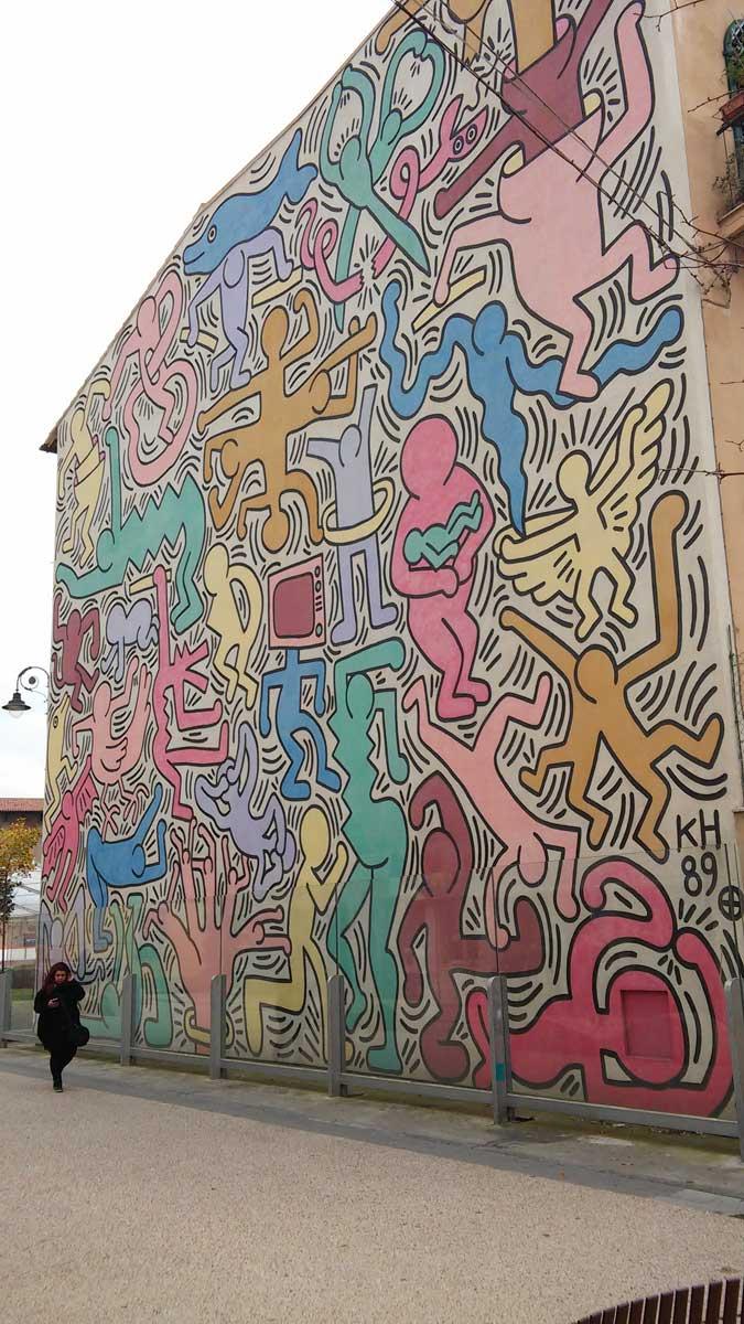 Cosa vedere in un weekend a Pisa - il muro di Keith Haring