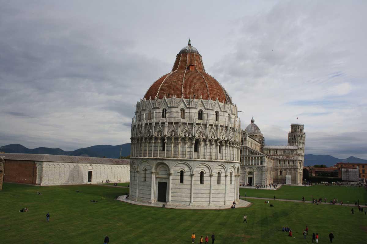 Cosa vedere in un weekend a Pisa, Piazza dei Miracoli