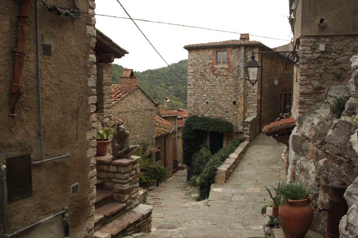 Itinerario tra i borghi della Val di Cornia, Sassetta