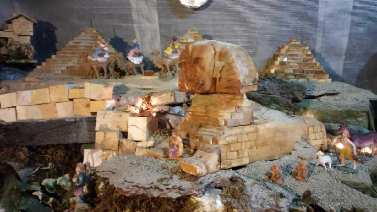 Uno dei presepi osservabili lungo la via dei presepi di Castelfiorentino
