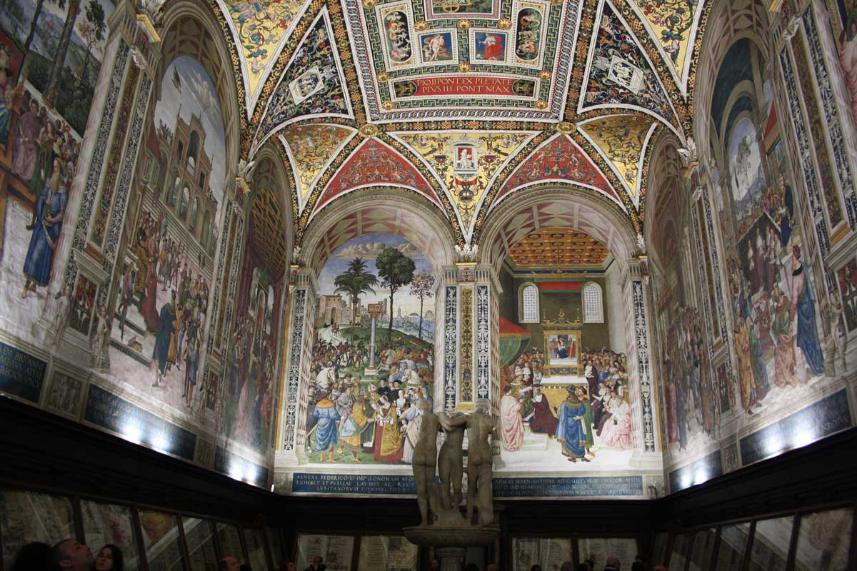 Siena con Opa Si Pass all inclusive - Libreria Piccolomini