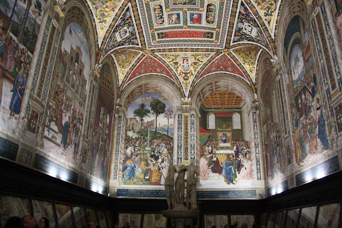Siena con Opa Si Pass all inclusive - Libreria Piccolomini