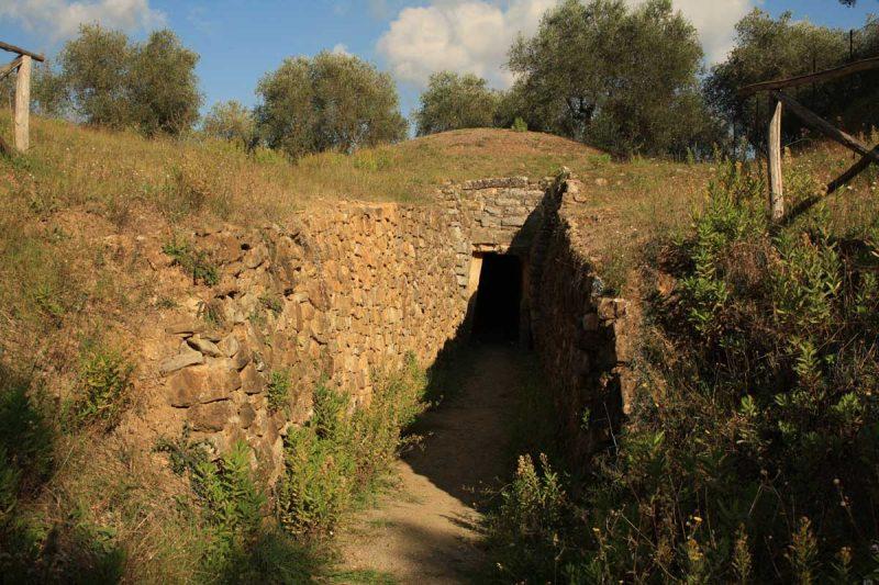 La città etrusca scavata da Isidoro Falchi: Vetulonia