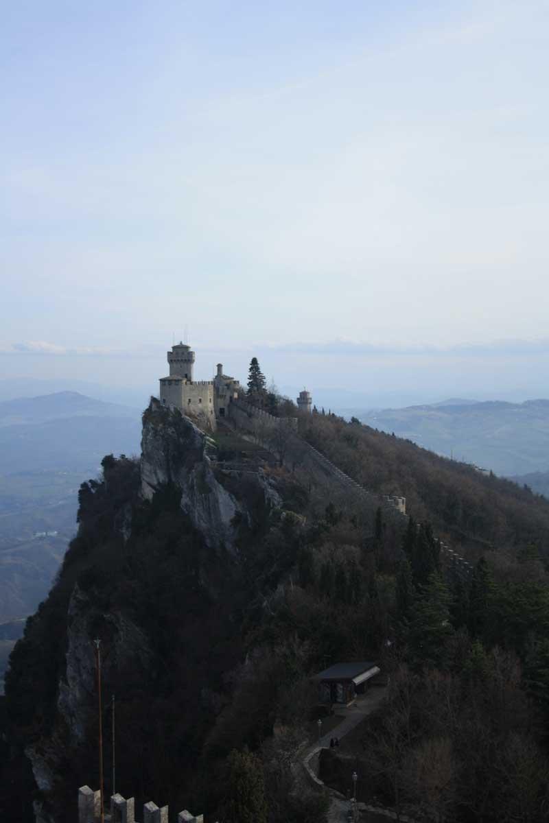 Il passo delle streghe San Marino veduda della seconda torre o Fratta o Cesta