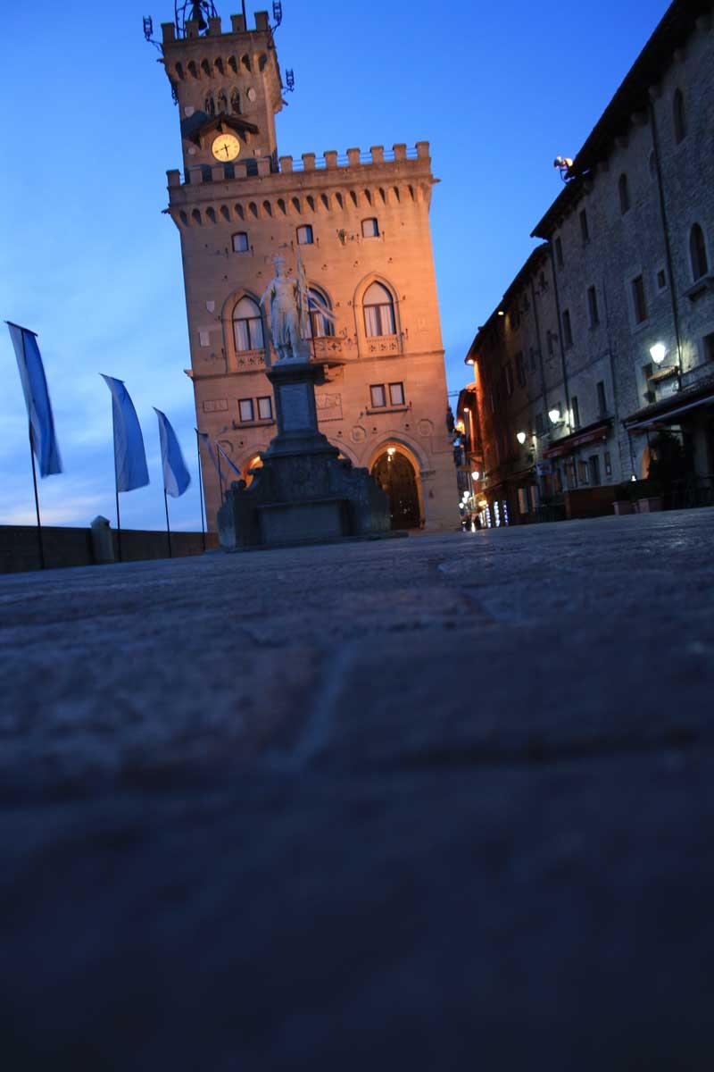 PIazza della Libertà e statua della libertà di San Marino