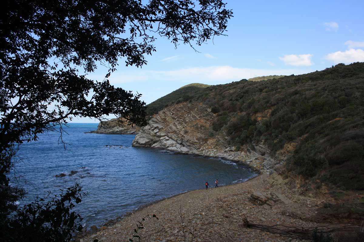 Passeggiata alla scoperta del promontorio di Populonia, Cala San Quirico