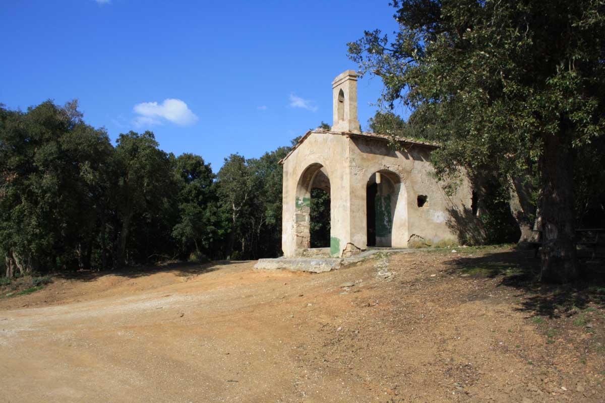 Passeggiata alla scoperta del promontorio di Populonia, Chiesa di San Quirico