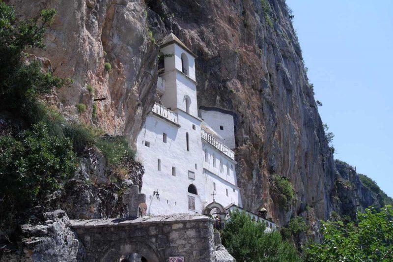 Il monastero tra le rocce: il Monastero di Ostrog