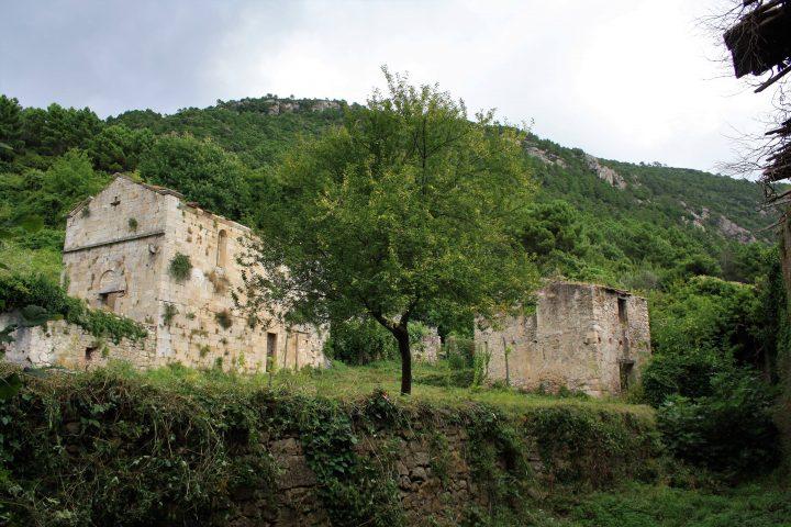 Ghost town in Toscana, Mirteto