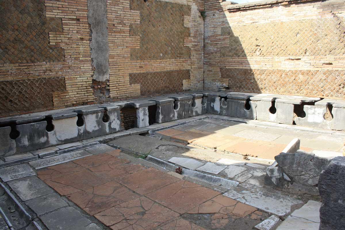 Ostia Antica, latrina