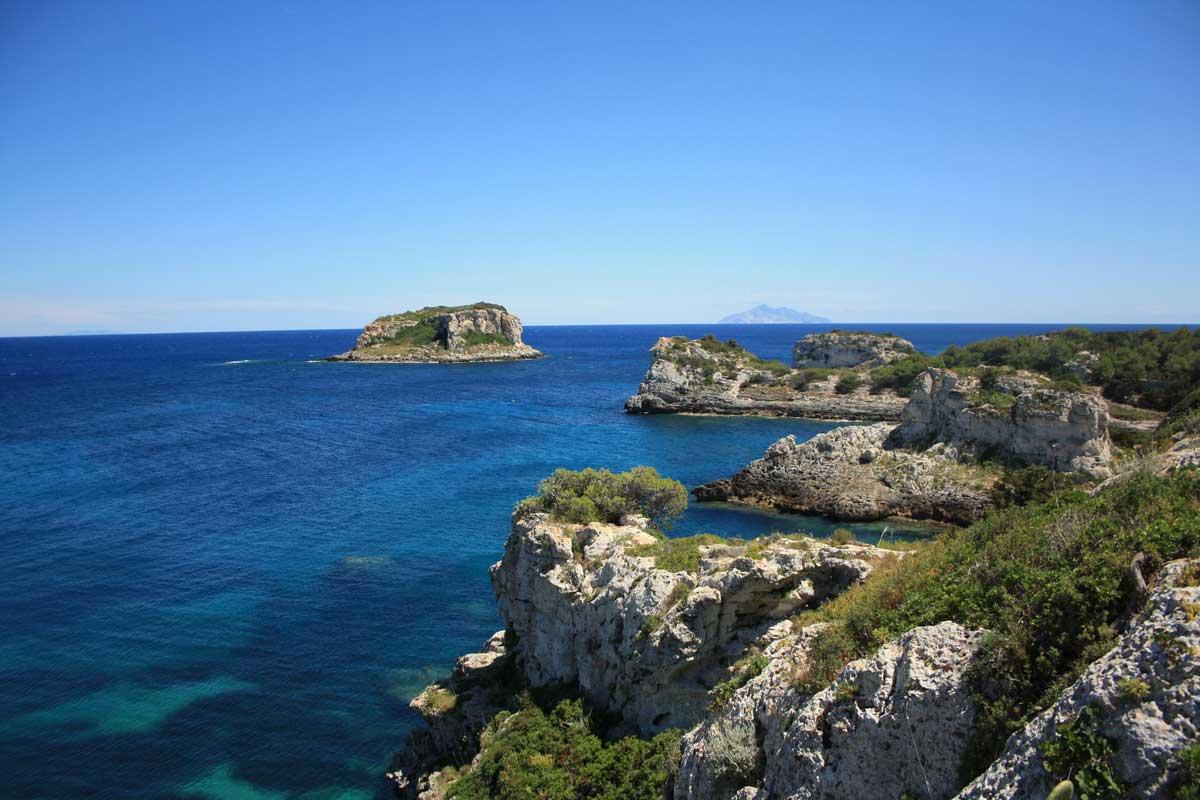 L'Isola di Montecristo vista da Pianosa