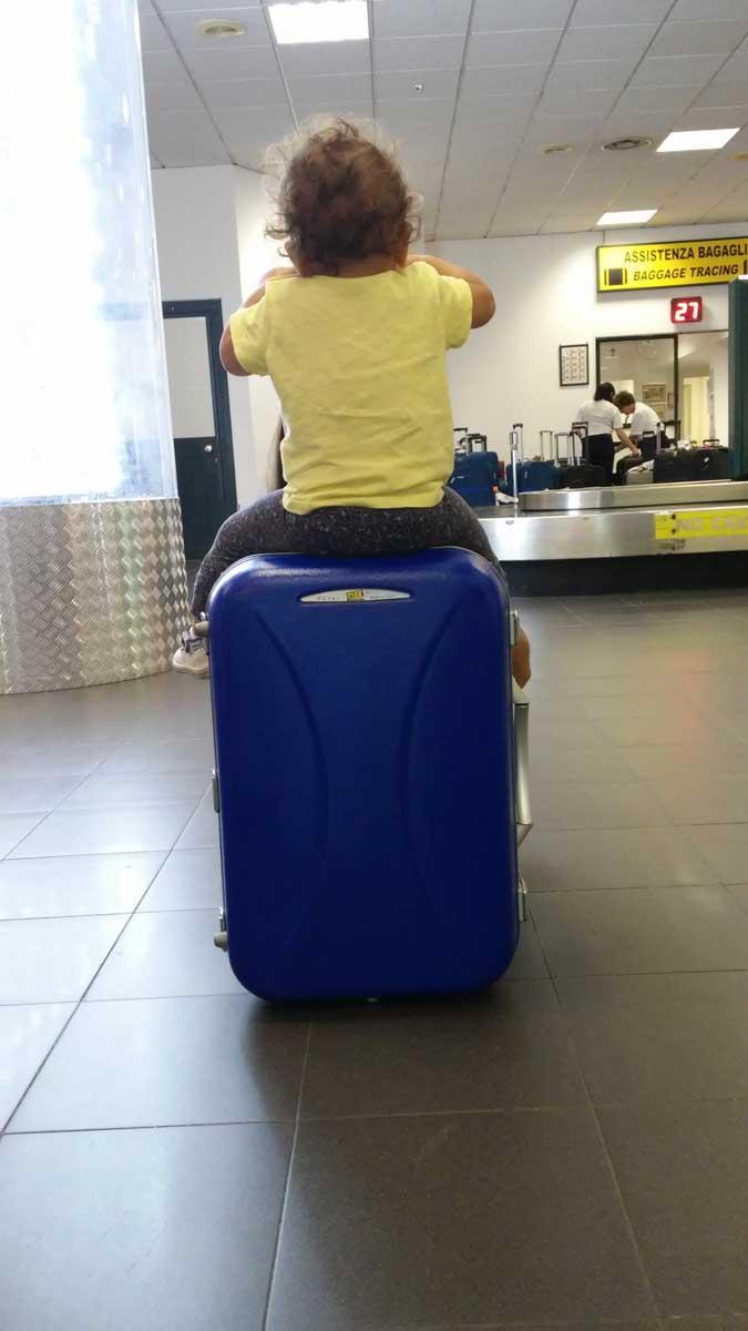 Prendere l'aereo con bambini piccoli