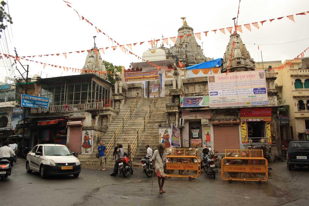 Udaipur, la Venezia d'Oriente , la scalinata del tempio Jagdish
