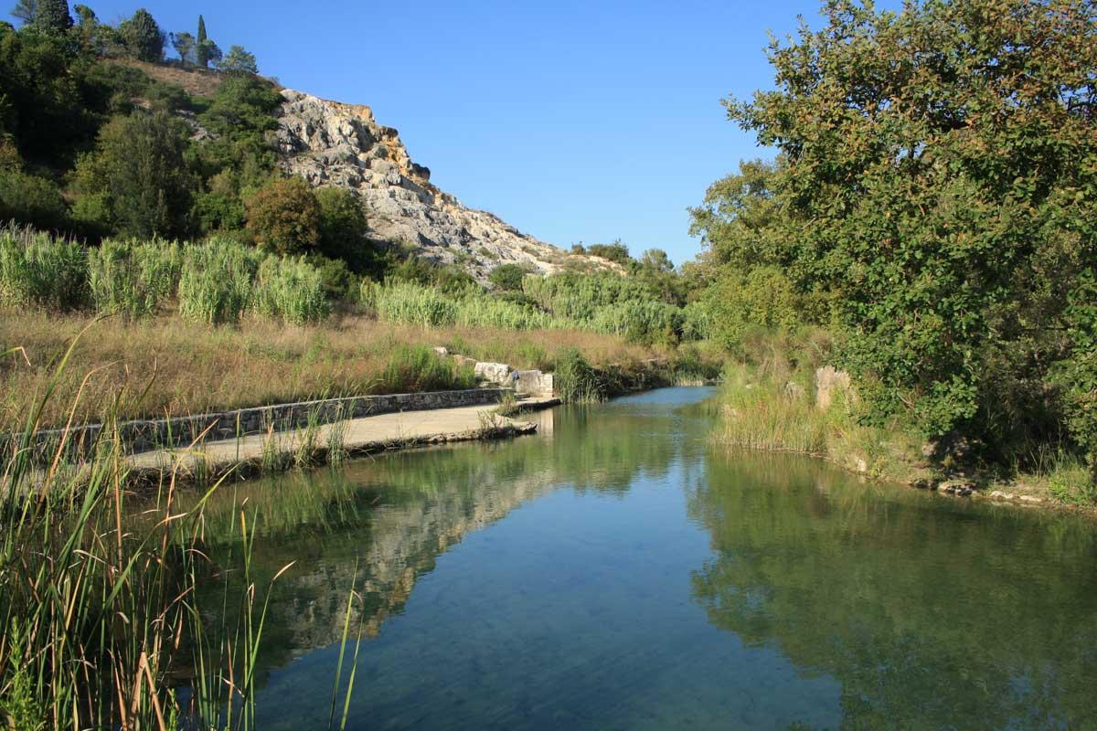 Bagno Vignoni e le sue terme libere, la vasca fredda