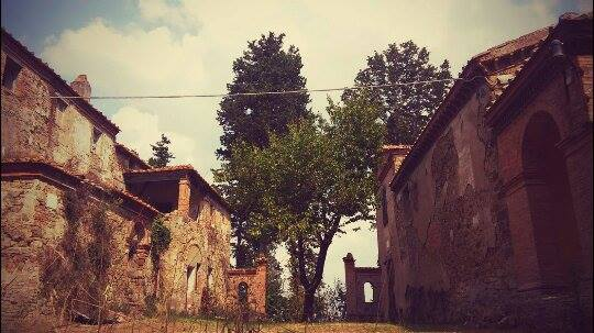 Ghost town in Toscana, Buriano