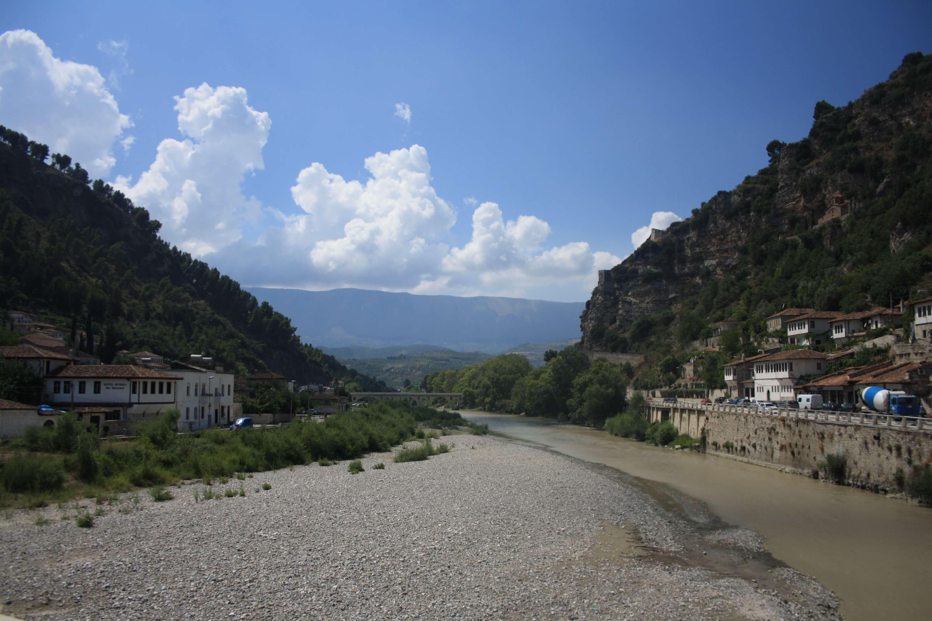 Berat Albania fiume ponte