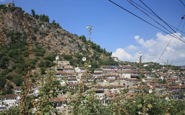 Berat: la città dalle mille finestre