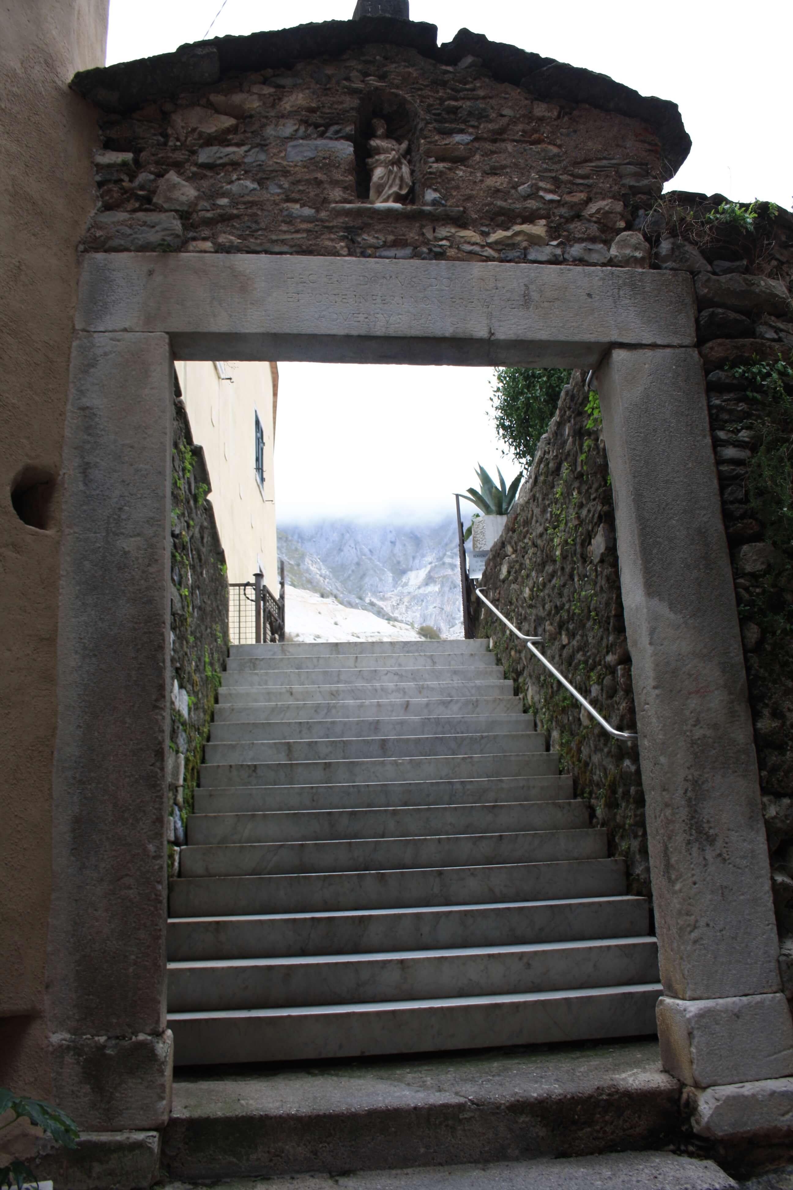 Itinerario tra le cave di marmo alla scoperta dei segreti dell'oro bianco di Carrara