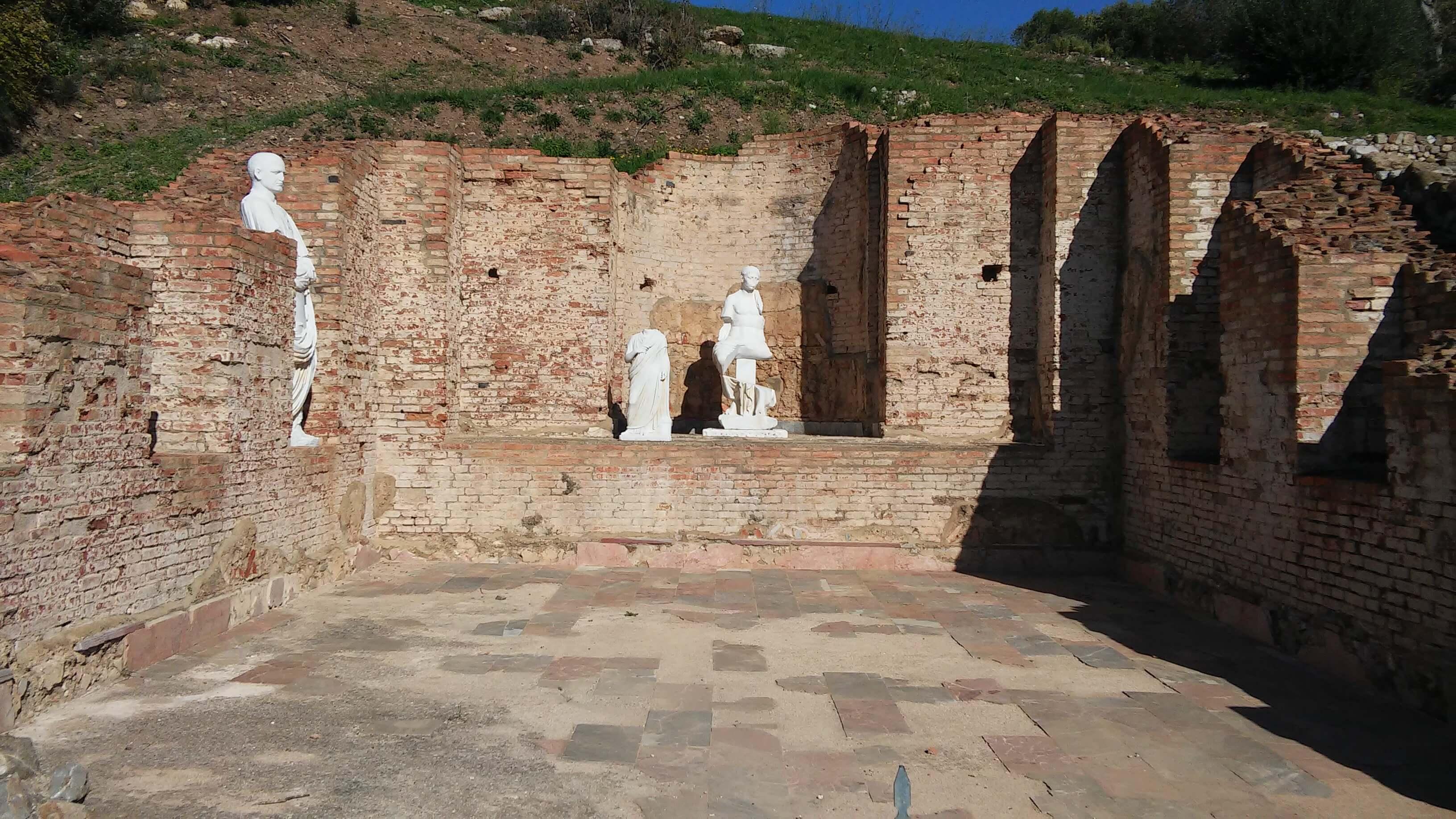 Rosele, Basilica dei Bassi