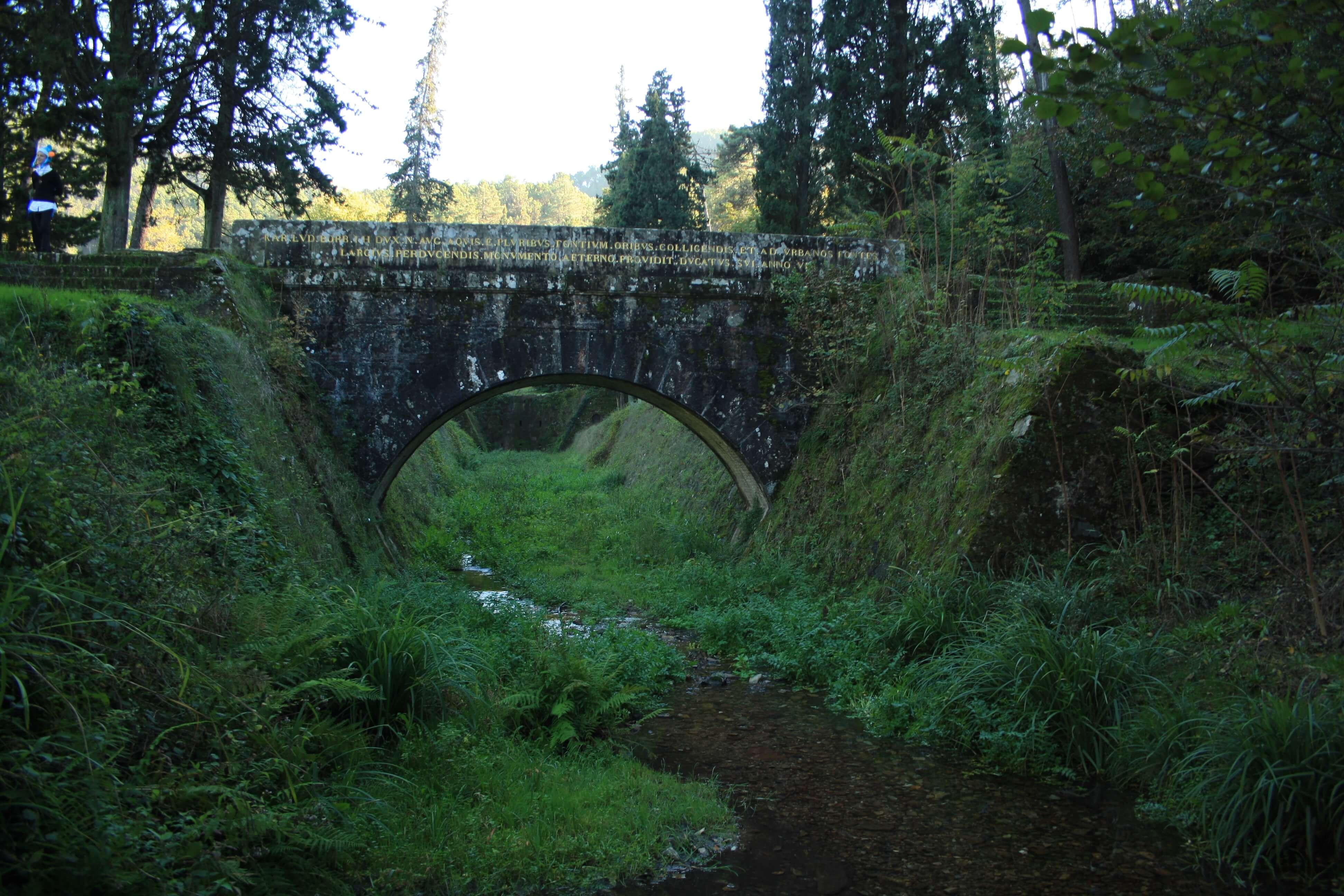 Le Parole D'Oro: acquedotto Nottolini