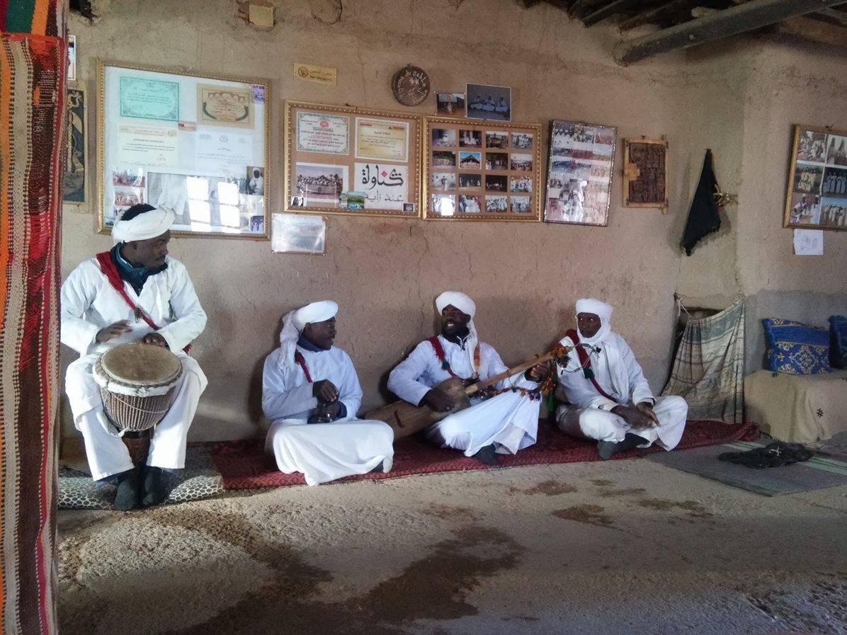 villaggio di Khamlia, intorno a Merzouga