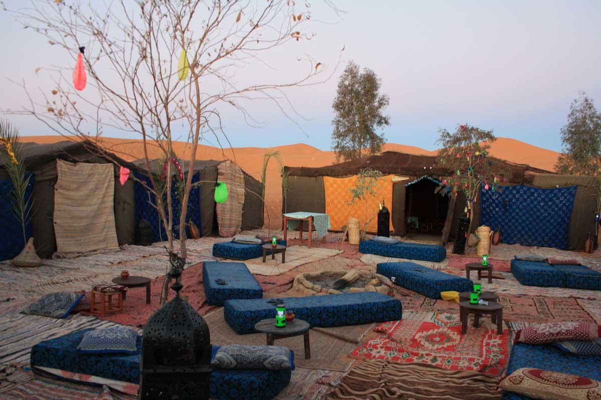 Il deserto del Sahara e le dune dell'Erg Chebbi, campo tendato
