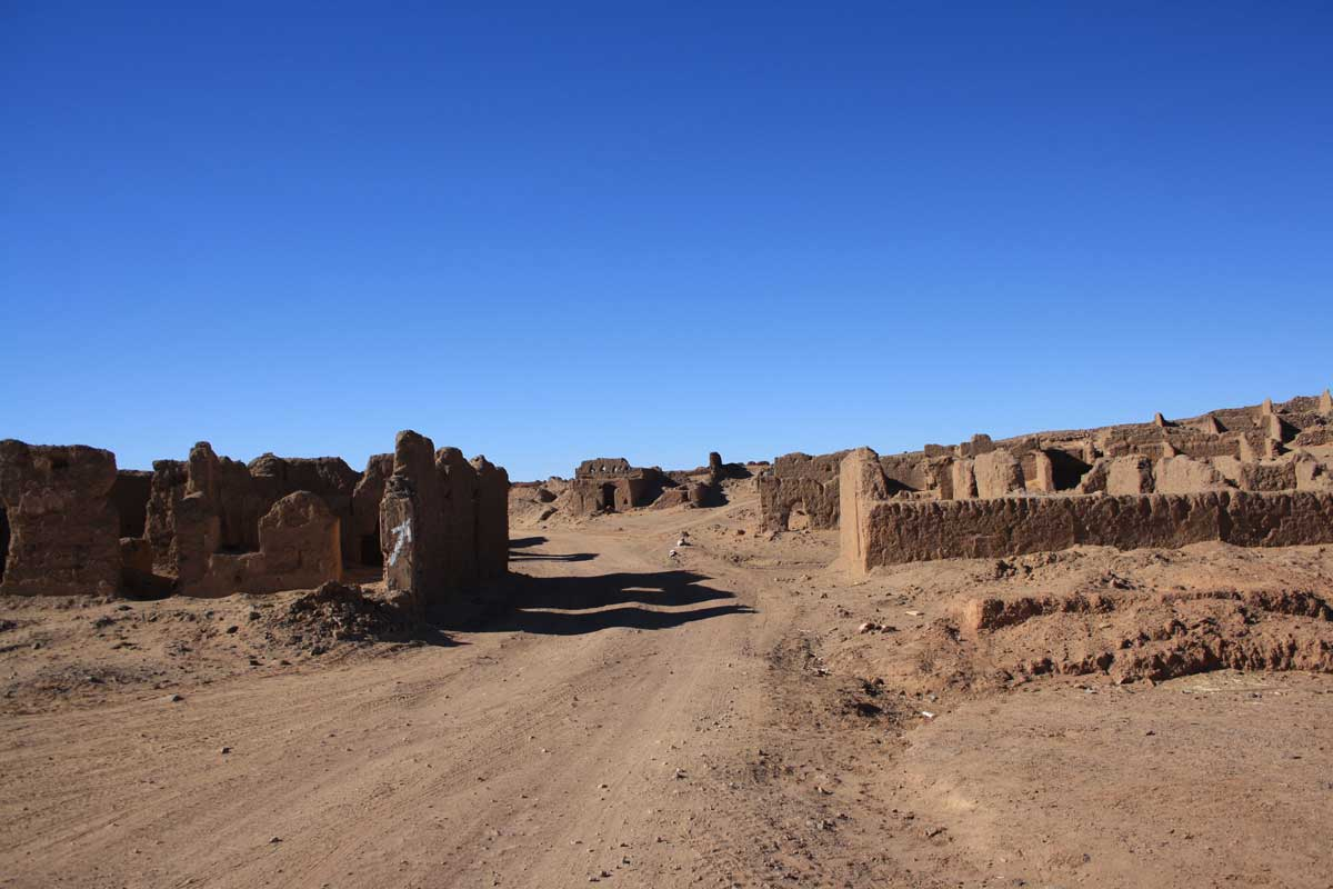 villaggio spagnolo, intorno a Merzouga