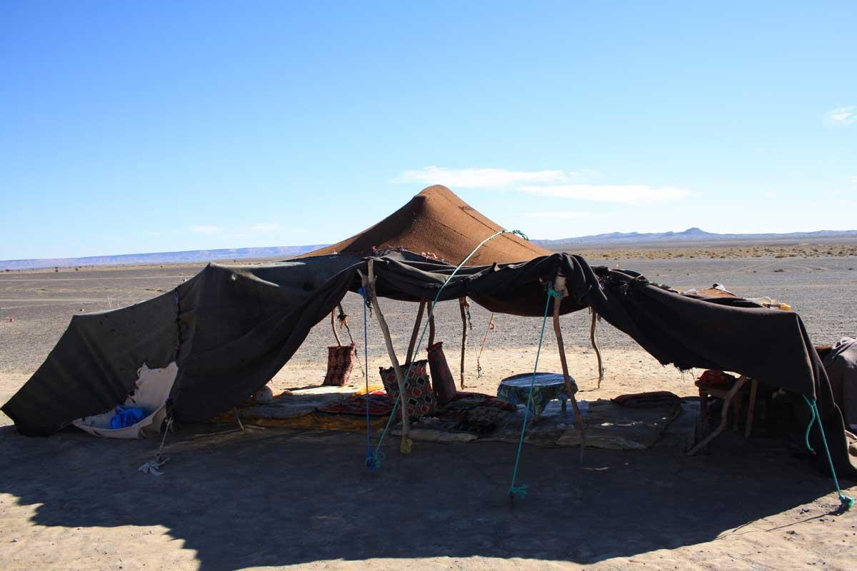 nomadi, intorno a Merzouga