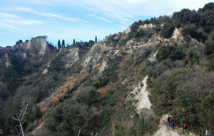Tutta la magia delle valli remote di Montaione e dei calanchi