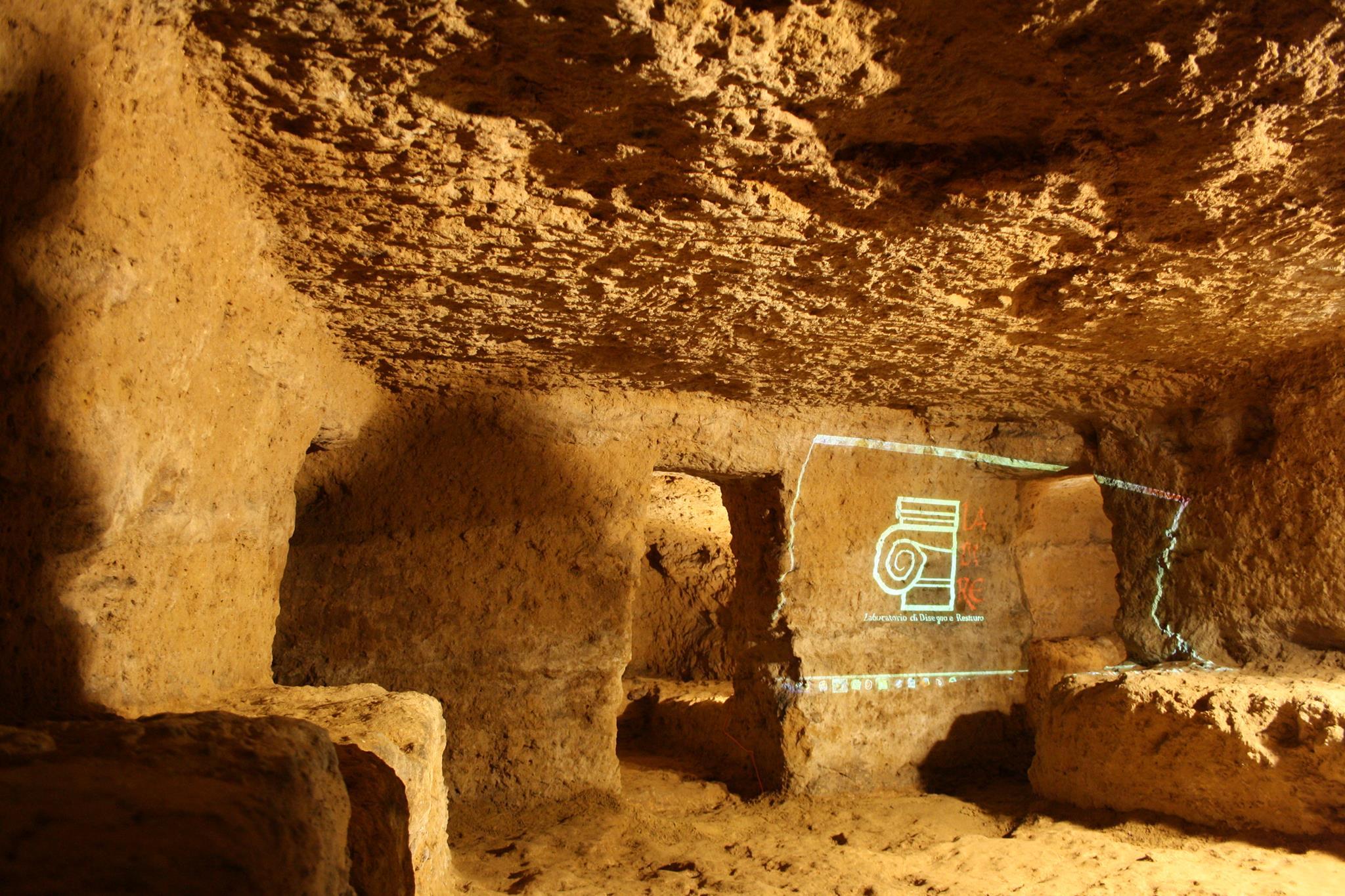 Due Tombe etrusche a Volterra: Tomba Inghirami e Tomba Bianchi