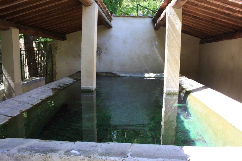 Le terme libere di Sasso Pisano: tra lavatoi e pozze naturali