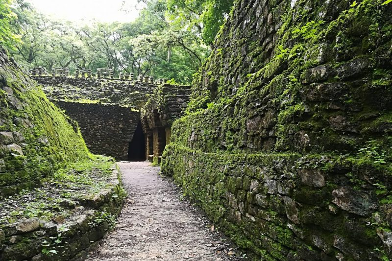 La città maya perduta nella giungla: Yaxchilan