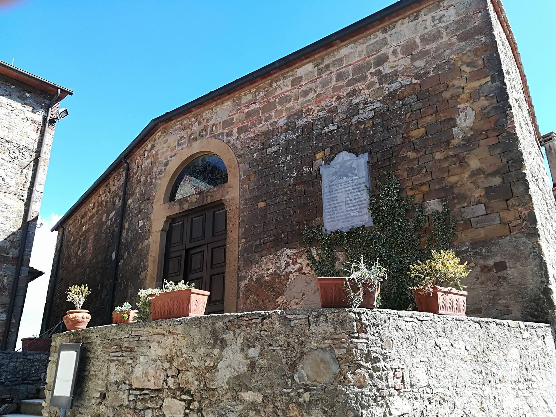Borghi in Val di Cecina: alcune foto di Sassa
