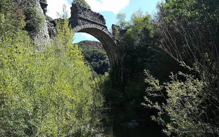 Escursione sulle tracce dell'antica ferrovia sul Ritasso