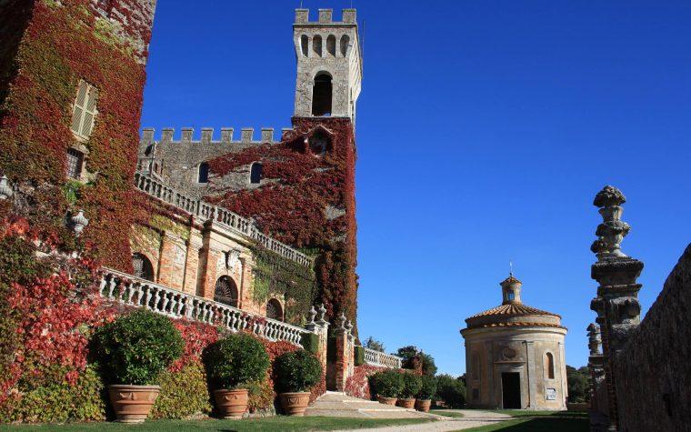 Castel di Celsa e i suoi stupendi colori autunnali