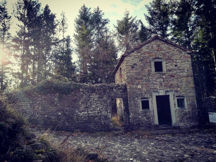 Ghost town in Toscana, Bergiola
