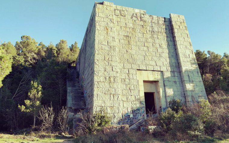 Il Mausoleo abbandonato di Ciano