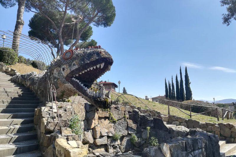 Gli Orti del Parnaso e il dragone che sorveglia Firenze